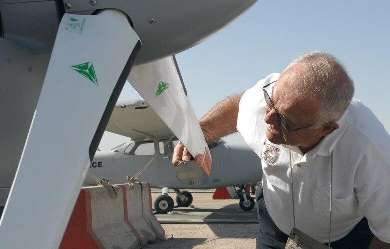Retired Vietnam pilot supports war in Iraq > U S  Air Force > Display