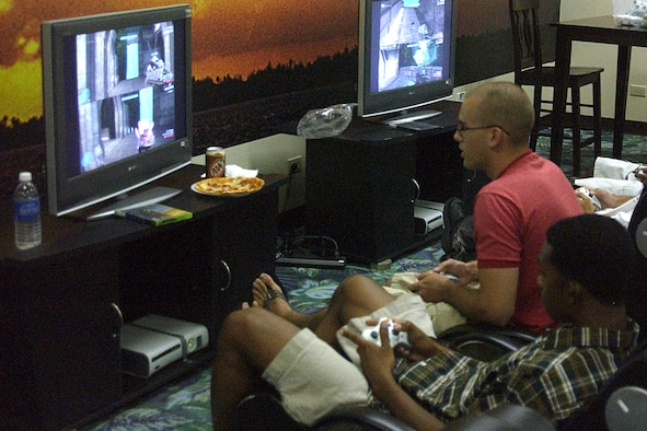 Staff Sergeant Jordan Simon, 36th Munitions Squadron and Technical Sergeant Anthony Augustine, 644th Combat Communications Squadron, battled against other teams during the Halo 3 Tournament during the First Sergeants' Hot Spot Tournament. (U.S. Air Force photo by Airman 1st Class Carissa Wolff)