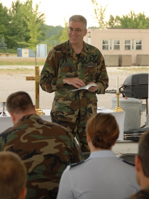 Chaplain conducts worship service during a unit training assembly at the 119th Wing, in Fargo, N.D.