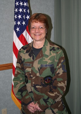 WRIGHT-PATTERSON AFB, Ohio - Master Sgt. Sheryl Olmstead, 445th Aerospace Medicine Squadron, is the 445th Airlift Wing Senior Non-Commissioned Officer of the Quarter for the second quarter, 2008. Sergeant Olmstead is a medical technician and is the Non-Commissioned Officer in Charge of the immunization clinic.  She is from Englewood, OH and is a medical assistant in her civilian job. (U.S. Air Force photo/Staff Sgt. Martin Moleski)