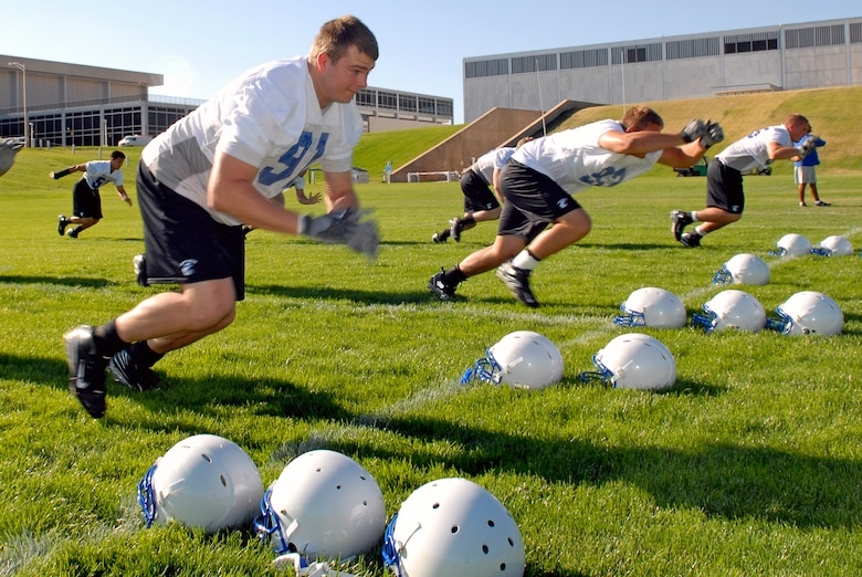 Defensive end Cadet 1st Class Ryan Kemp participates in drills as the Falcons practice in preseason camp July 31 at the U.S. Air Force Academy in Colorado. (U.S. Air Force photo/Mike Kaplan)