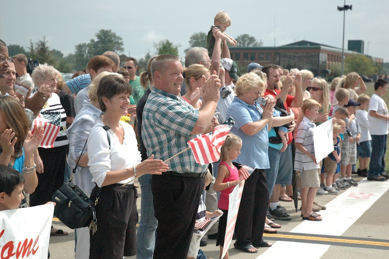 Nearly 100 people turned out for the event, which welcomed home 31 Kentucky Airmen.(Capt. Dale Greer/KyANG)
