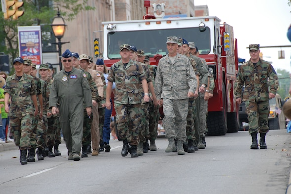 Members of the 179th Airlift Wing participate the the 200th Anniversary of Mansfield in Mansfield, Ohio on June 28, 2008. The members march down Park Avenue. (Air Force photo by A1C Joseph Harwood) (Released)