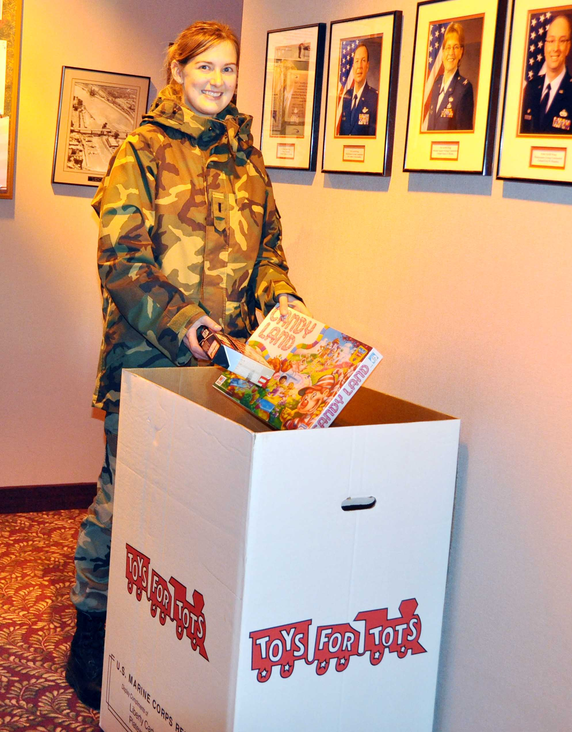 Display Toys For Tots : Toys for tots at officers club gt minneapolis st paul air
