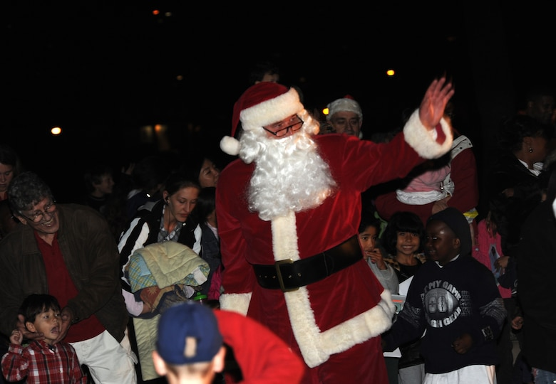 Santa arrives at LAAFB's annual tree lighting ceremony on Fort MacArthur, Dec. 2 (Photo by Atiba Copeland)