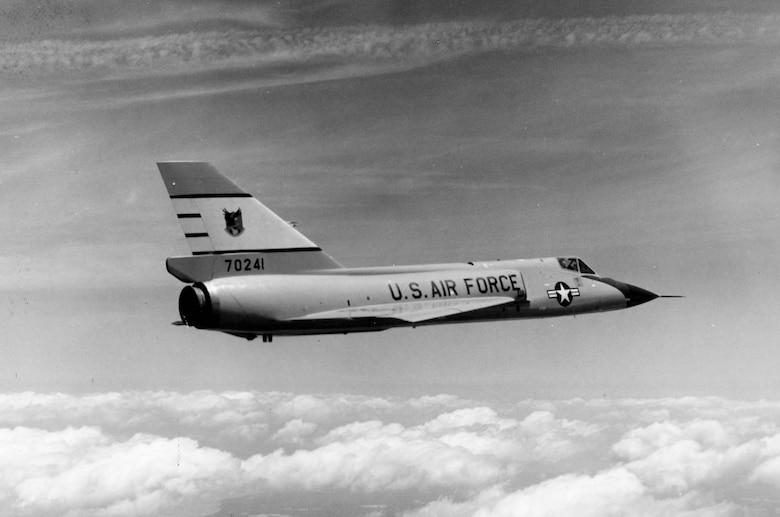 Convair F-106A (S/N 57-0241) in flight. (U.S. Air Force photo)
