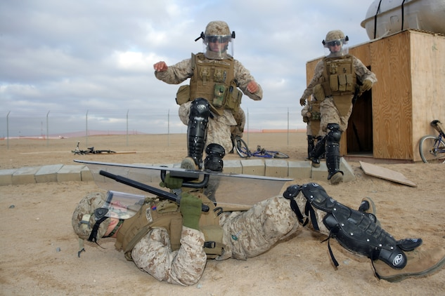 Marines learn new ways to be 'non-lethal' > 11th Marine ...