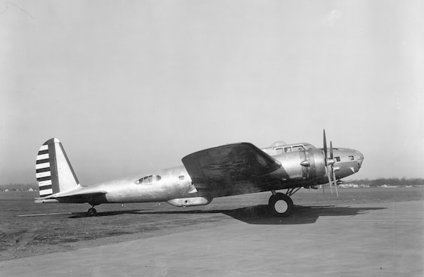 """Early B-17D at Wright Field. The """"D"""" model was the last B-17 series to have a small """"shark-fin"""" tail and underside """"bathtub"""" gun position. (U.S. Air Force photo)"""