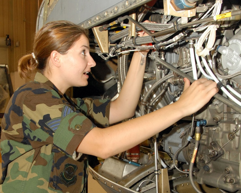 Staff Sgt Kymberly Venditti of the 107th AW Maintenance Squadron is training on the C130 Engine system. (Air Force Photo/ Tech. Sgt Catherine Perretta)