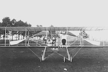 "Wright ""Baby Grand"" front view on ground, Simms Station near Dayton, Ohio, 1910 (10492 A.S.)"