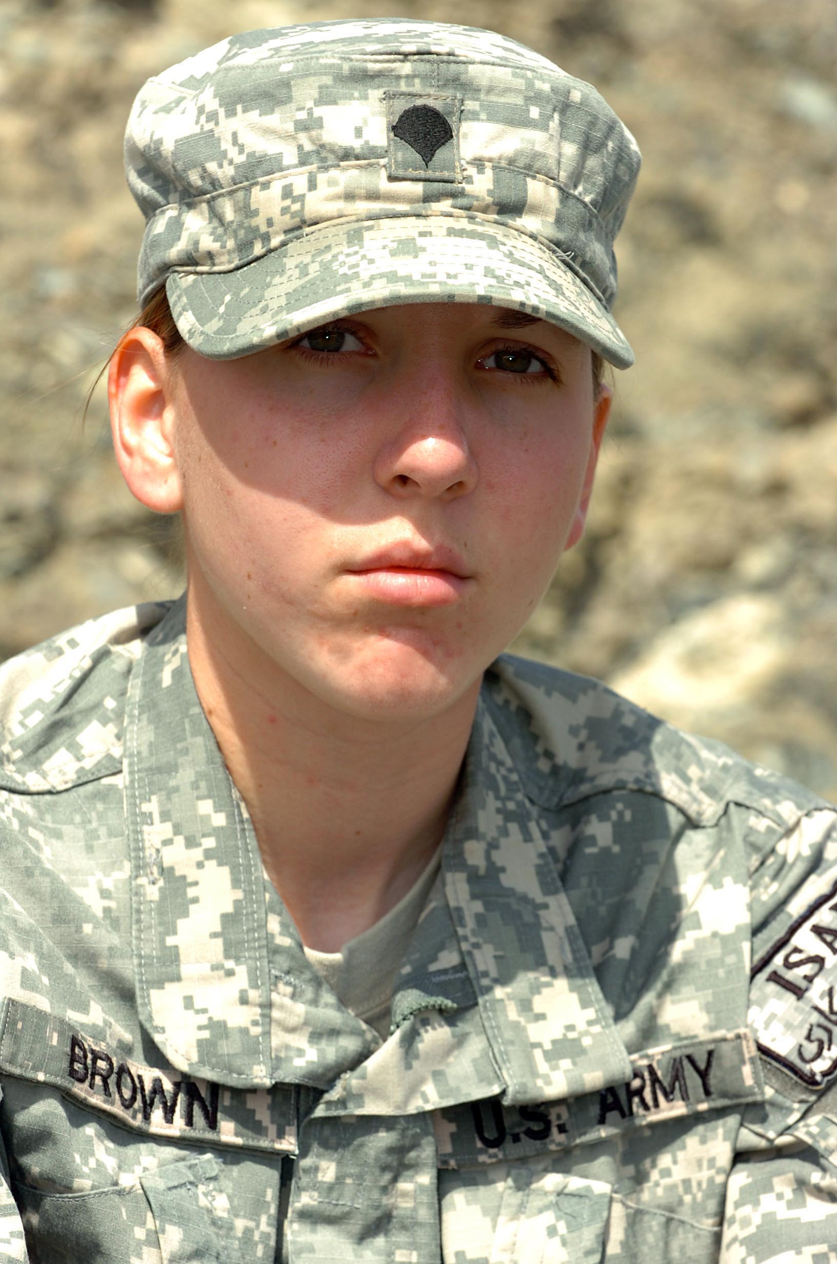 Army Spc Monica Brown A Medic From 782nd Brigade Support Battalion 4th Brigade Combat Team 82nd