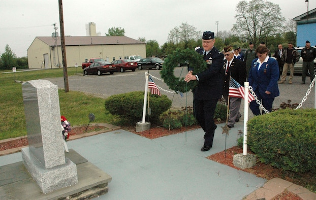 MCGUIRE AIR FORCE BASE, NJ - 514th Air Mobility Wing Reserve Commander Colonel James Kerr, lays a wreath at the Burlington Country Veterans of Foreign War Memorial in honor of Loyalty Day.  (U.S. Air Force Photo/Master Sergeant Chuck Kramer)