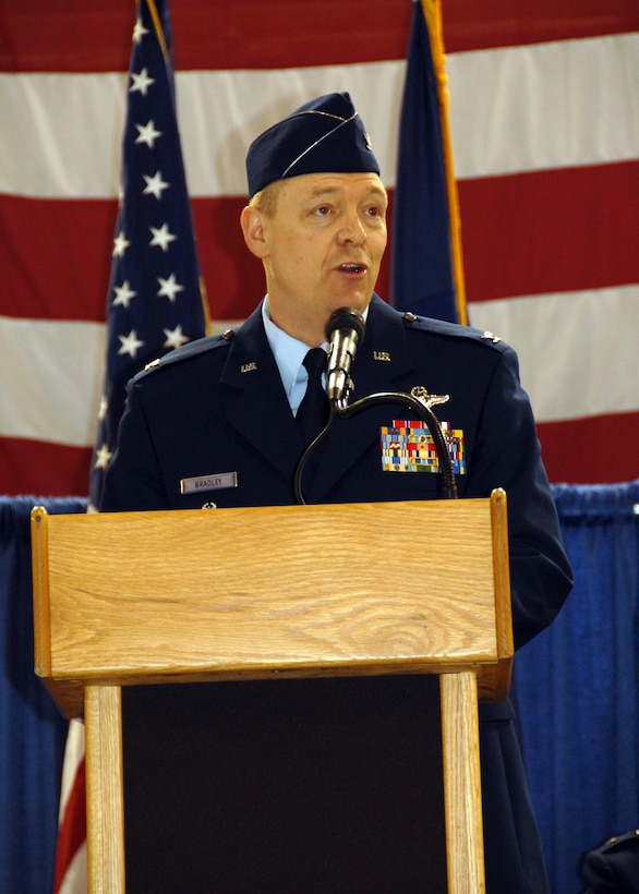 Col. Kevin W. Bradley the new 174 FW Commander addresses the assembled crowd during the Change of Command Ceremony.