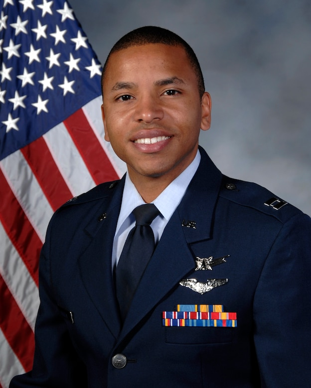 Capt. Lewis Vaughn III's official Air Force photo