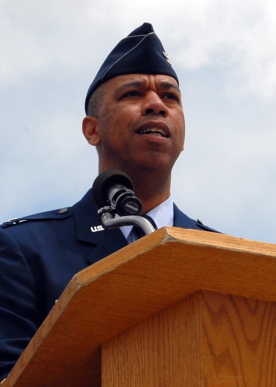 BUCKLEY AIR FORCE BASE, Colo. -- Col. Vincent Jefferson, 460th Mission Support Group commander, addresses the men and women of the 460th Space Wing and 460th MSG after asuming command of the group during a ceremony here, May 9. (U.S. Air Force photo by Senior Airman Michelle Lee Cross Furtado)