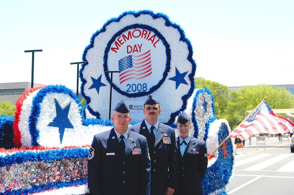Special Agent (Master Sgt.) Jac Christiansen (center), Air Force Office of Special Investigations, Detachment 406, Columbus Air Force Base, Miss., Master Sgt. Ronald Beadles (left), 319th Maintenance Squadron, Grand Forks AFB, N.D., and Senior Airman Mary Bullock (right), 11th Intelligence Squadron, Hurlburt Field, Fla., were handpicked by Air Force leadership to be Grand Marshals in this year's parade because of their heroic acts or outstanding work in support of OPERATIONS IRAQI FREEDOM or ENDURING FREEDOM. (U.S. Air Force photo/Tech. Sgt.  John Jung)