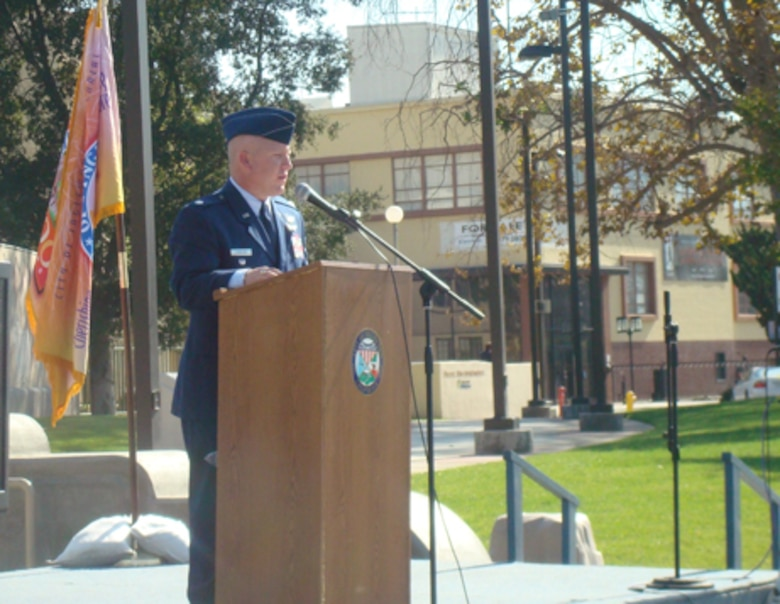 Lt. Col. Ken Bowling, Missile Defense Systems Group, was the keynote speaker at Inglewood's Veterans Day tribute, Nov. 11. Approximately 75 people attended the event. (Photo by Alicia Garges)
