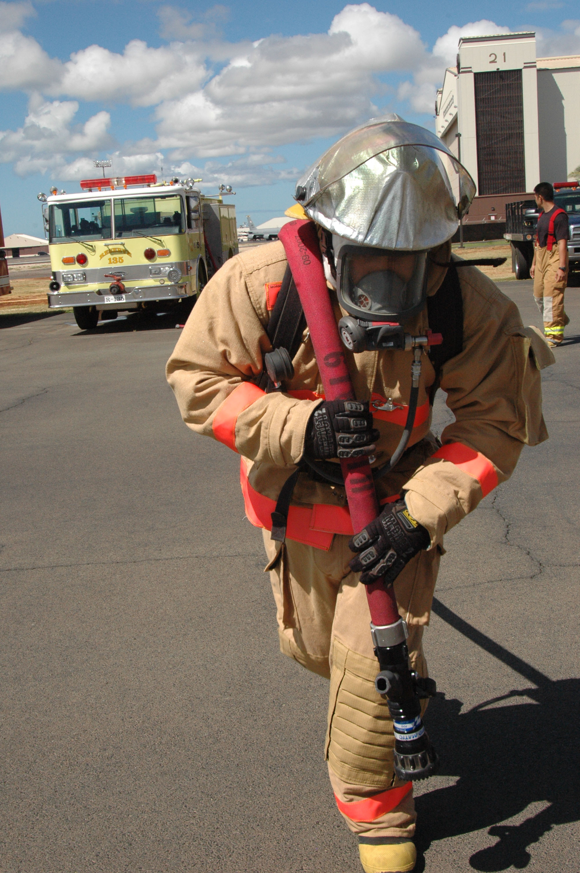1787eb58775 624th CES firefighters train on confidence course