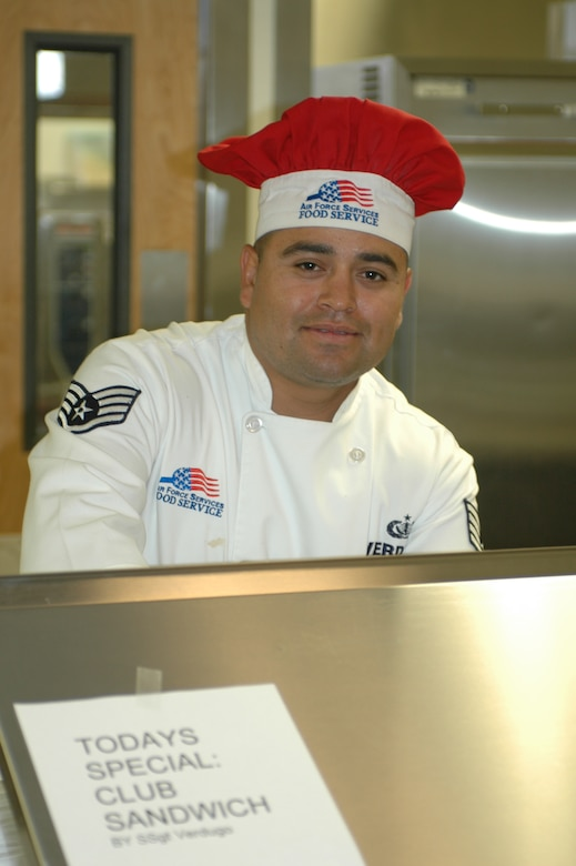 Staff Sgt. Raul Verdugo prepares a club sandwich for a unit member. (Air National Guard photo by 1st Lt. Dan Dodson)