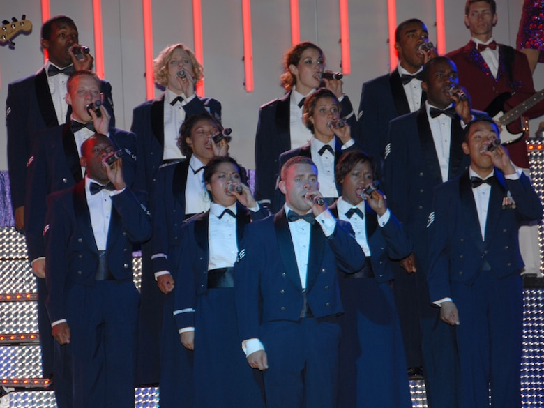On Aug 19th, the 'city of homes' became the 'city of blue,' as the Air Force Expeditionary entertainers performed for the communities of Western Massachusetts during their 150 show world tour.