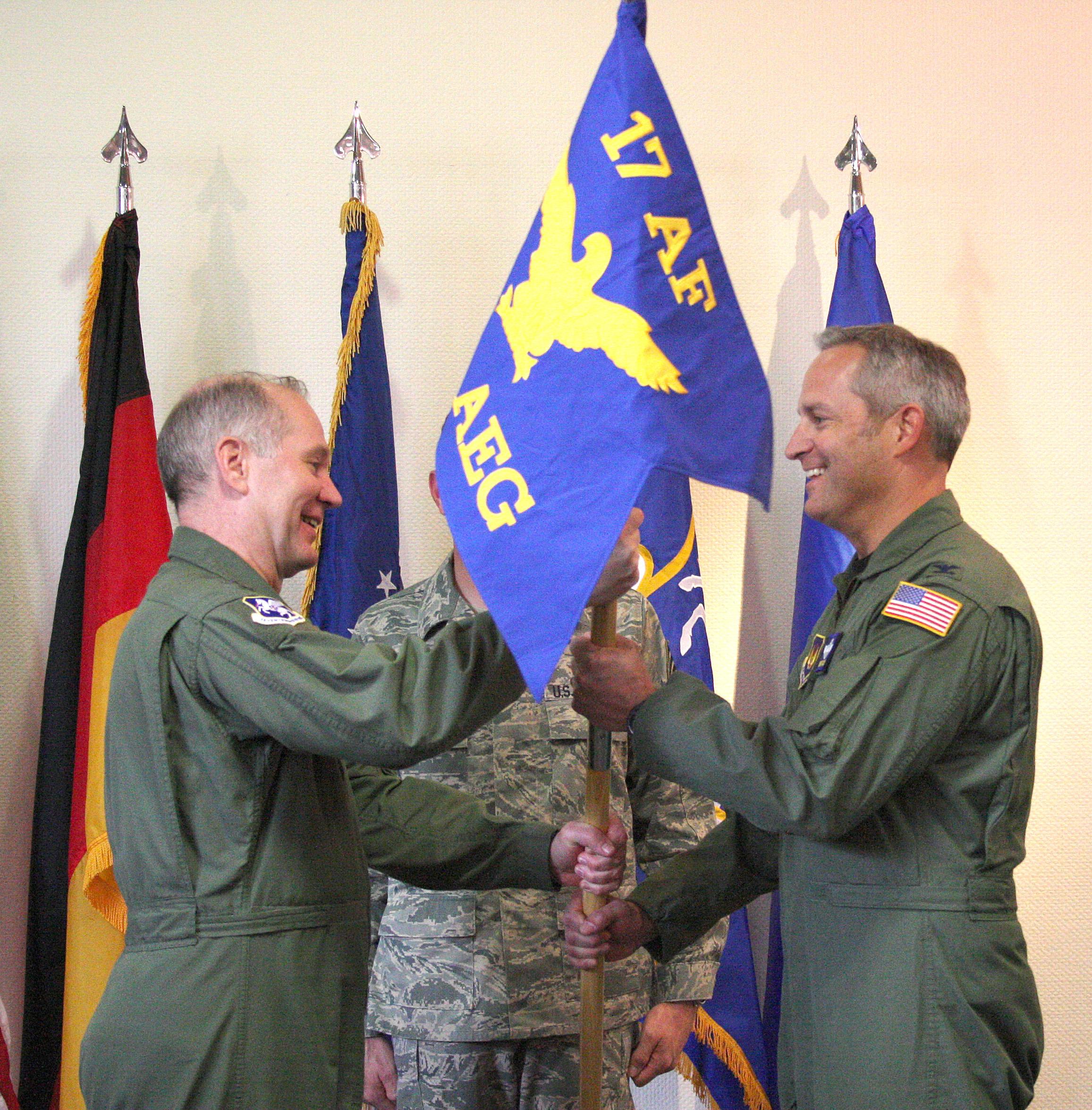 404th AEG gets new commander >...