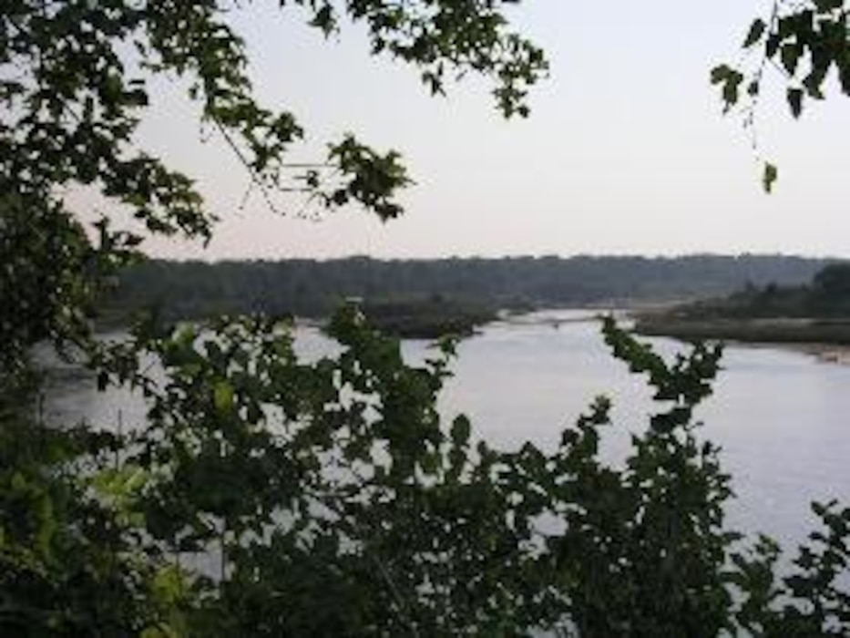 The Kansas River, known locally as the Kaw, begins at the confluence of the Republican and Smoky Hill Rivers near Junction City, Kansas, and flows 173 miles to Kansas City, where it joins the Missouri River at Kansas City, Kansas.