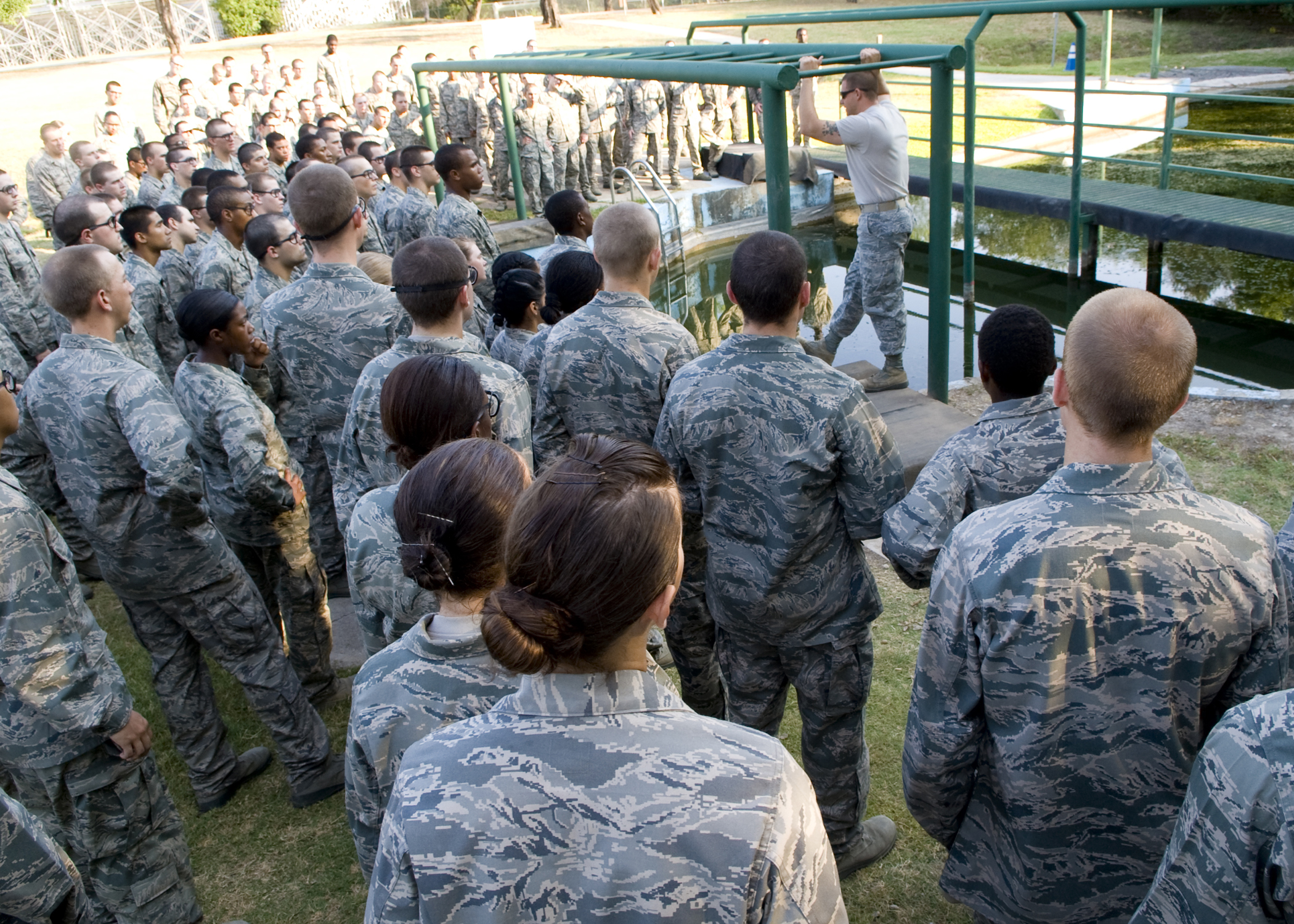 photo essay overcoming obstacles > joint base san antonio > news photo essay overcoming obstacles