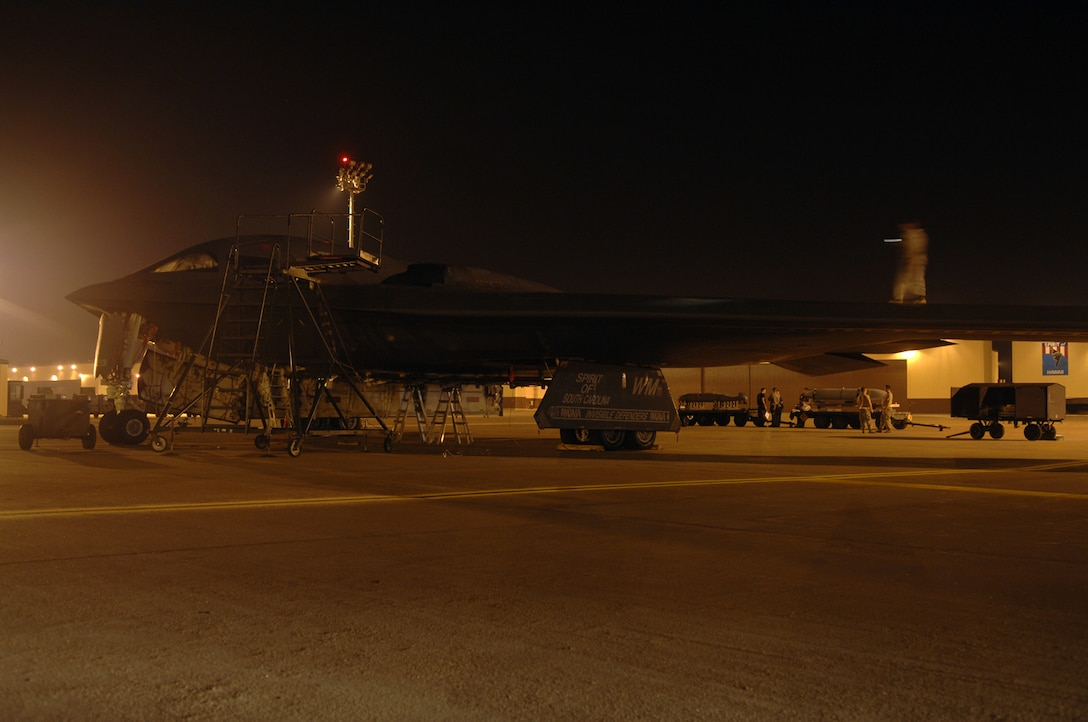 WHITEMAN AIR FORCE BASE, Mo. - Members of the 509th Aircraft Maintenance Squadron prepare a B-2, Spirit of South Carolina, to be towed on Aug. 27.  The B-2 is scheduled for a wash, which is required every 180 days and takes one to two days to complete.  (U.S. Air Force photo/Senior Airman Jessica Snow)