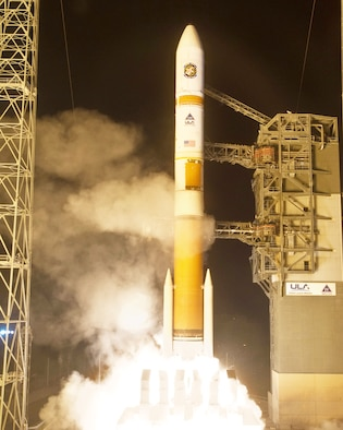 A United Launch Alliance Delta IV rocket with the Air Force's Wideband Global SATCOM-3 satellite lifts off from its Space Launch Complex-37 launch pad at 8:47 p.m. EST Dec. 5 from Cape Canaveral Air Force Station, Fla. (Courtesy photo)
