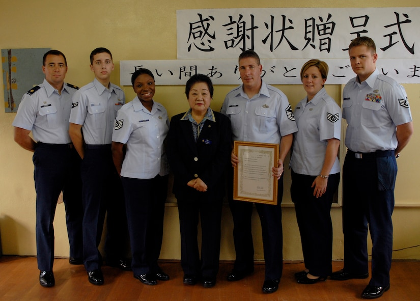 okinawa single parents Single parents5-2  mco 13008 18 sep 2014 iv enclosure (2) 3 exceptional family member program (efmp)5-2  4 temporary limited duty (tld.