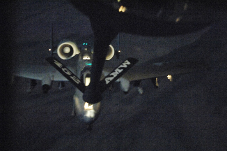 march air reserve base single women over 50 Cargo drop demo over march air reserve base, calif -- a c-141 starlifter demonstrates its capabilities by air dropping containers during airfest 2004 here april 24.