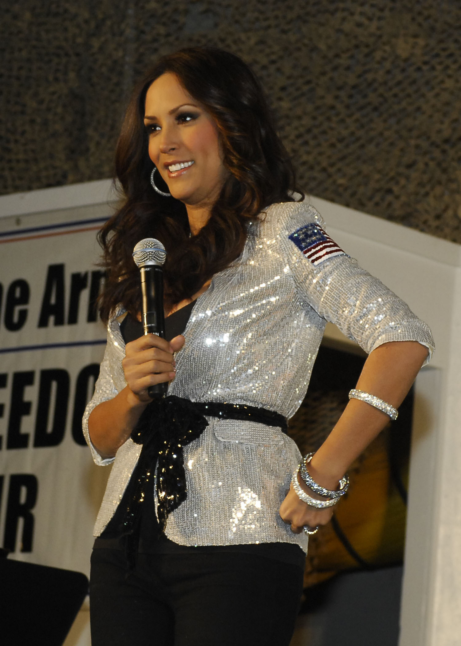 who is leeann tweeden dating Born to parents of spanish, filipino, and norwegian ancestry, miss tweeden grew up in virginia as a self-proclaimed tomboy after graduating from.