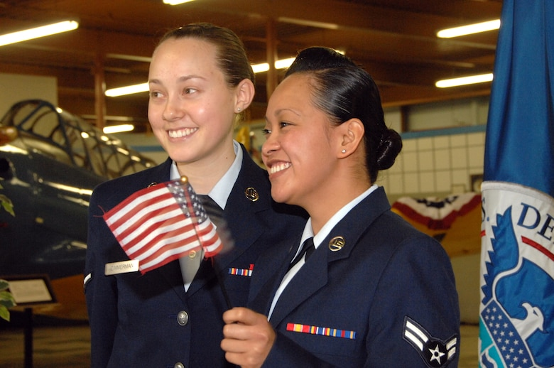 Team Travis celebrates six new citizens > Travis Air Force