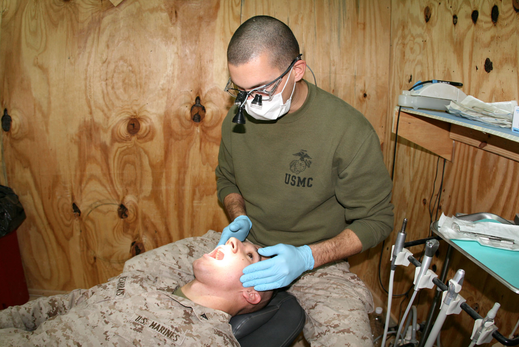 how to become a navy dentist