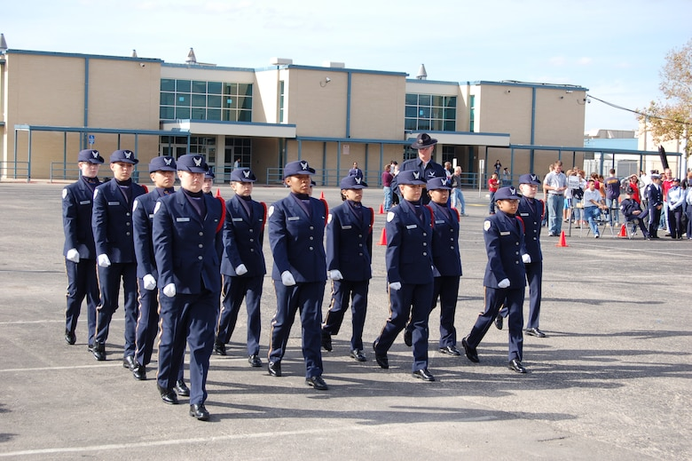 Members of the Klein Collins High School Air Force Junior Reserve Officer Training Corps in Texas prepare to participate in the 56th Inaugural Parade, which was held Tuesday. The 36 cadets who traveled to Washington, D.C., Jan. 16 were chosen by the Presidential Inaugural Committee among more than 1,300 group applications. The unit has won five consecutive first place honors for the best Air Force unit at the Coca-Cola American Legion sponsored drill meet in Montgomery, Ala. (Courtesy photo)