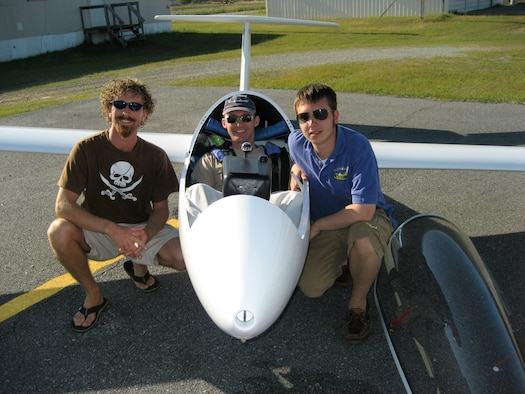 Aerospace Testing Alliance (ATA) Contracting Manager John Dotson, right, and his friends Daniel Schur, left, and Leo Benetti-Longhini, center, pose after a successful 500 kilometer record attempt beginning at Wallaby Ranch near Tampa, Fla., ending at Montezuma, Ga., in April 2007. Schur and Dotson followed Benetti-Longhini the entire way and arrived within minutes after he finished the more than six-hour flight. ATA is the support contractor for AEDC. (Photo provided).