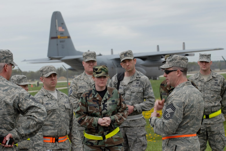 Chief Master Sgt. Matthew Cron, 133rd Communications Flight, speaks to a group of Airmen during a training mission at Volk Field, Wis. on May 15, 2009. Hundreds of men and women from the Minnesota Air National Guard unit joined others from Scott Air Force Base, Illinois for Readiness Safeguard in preparation for an Operational Readiness Inspection. USAF Official photo by Technical Sgt. Erik Gudmundson.(Released)
