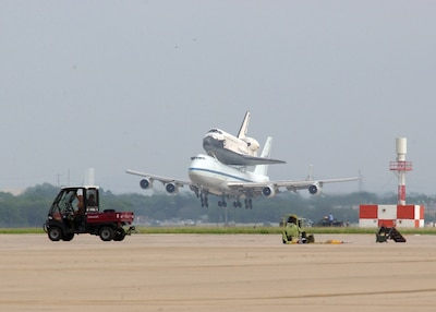 kelly afb space shuttle carrier aircraft - photo #5