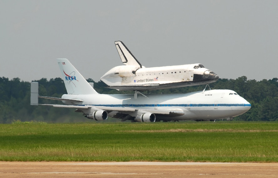 kelly afb space shuttle carrier aircraft - photo #40