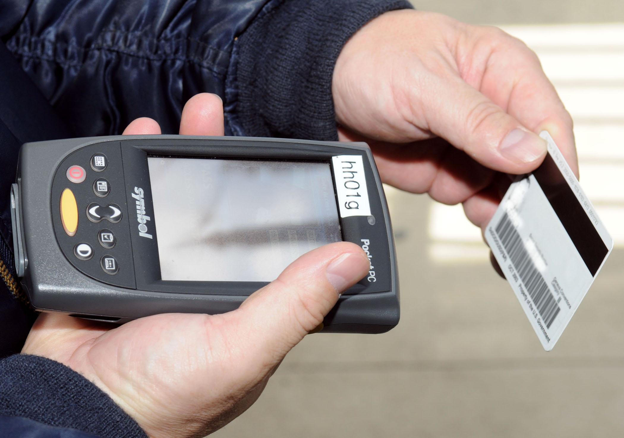 Defense Biometric Identification System registration > Joint