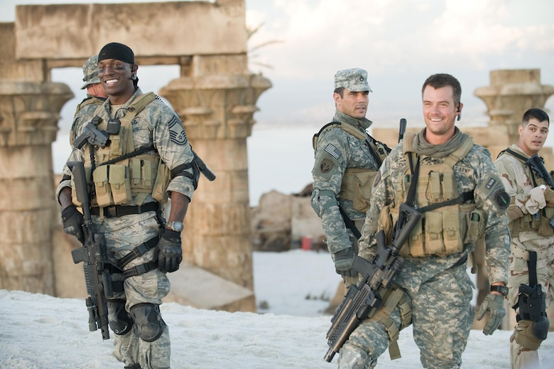 Actors Josh Duhamel and Tyrese Gibson were quick to welcome the Airmen from the 552nd Air Control Wing to the set. In between takes, the stars spent time talking to and thanking all of the US Servicemembers who supported the film. (Copyright 2009 Paramount Pictures)