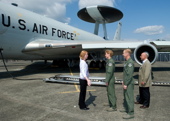 Col. Patricia Hoffman ( second from left), commander of the 552nd Air Control Wing, Tinker AFB, Okla. and home to the US AWACS fleet, is shown exterior modifications to TS-3, an AWACS Test Bed during a June 11 tour at Boeing Field in Seattle.  Leading the tour is Jeanette Croppi, Air Vehicle Systems Engineering Integration Team manager (far left) accompanied by Col. Scott Forest, vice commander, 552nd Air Control Wing (second from right) and Rick Heerdt, Boeing director of Airborne Warning Systems. Photo courtesy of Jim Anderson.