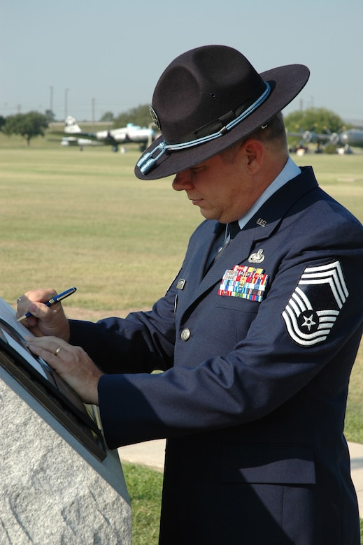 Airman retires after 30 years > Malmstrom Air Force Base
