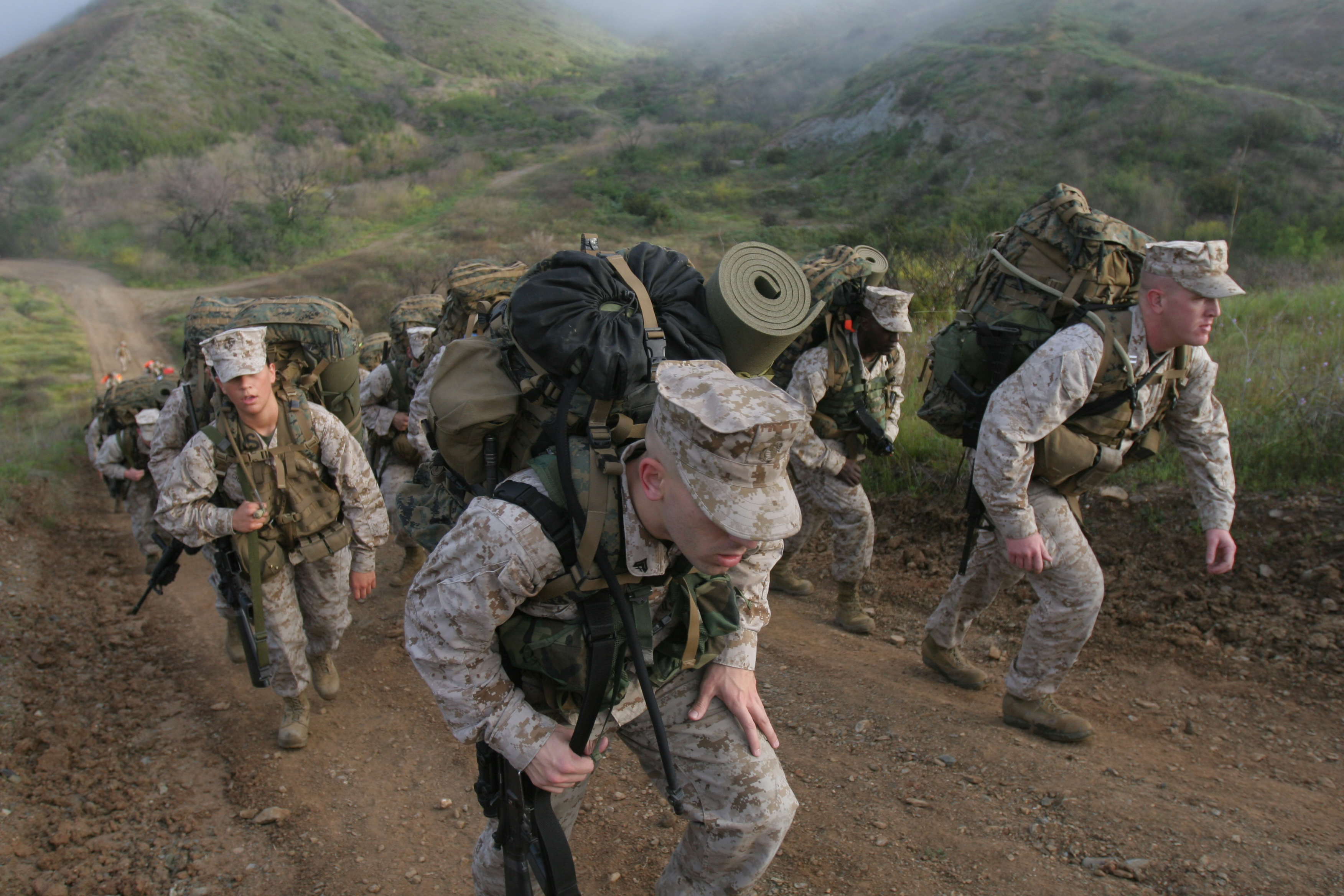 Command element hikes Reaper > 11th Marine Expeditionary ...