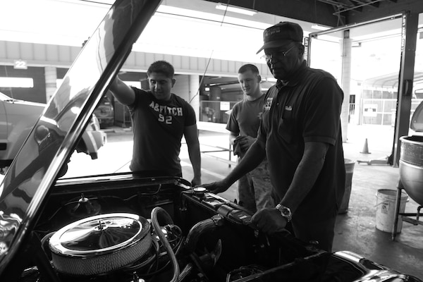 Former Marine Brings Passion Of Cars To Community Gt Marine