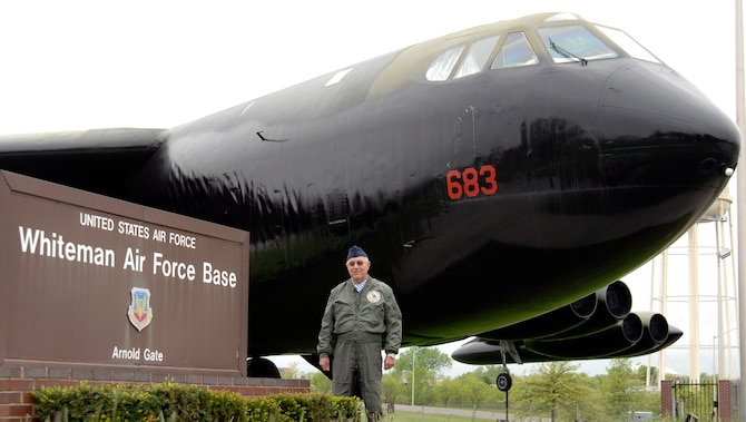 WHITEMAN AIR FORCE BASE, Mo. – Retired Master Sgt. Jerry Headrick, a former B-52 tail gunner, is shown with an aircraft in which he logged combat hours during Vietnam.   Mr. Headrick is a friend of a fellow B-52 gunner whose crew the plane will be dedicated to.  (US Air Force Photo/Staff Sgt. Jason Barebo)