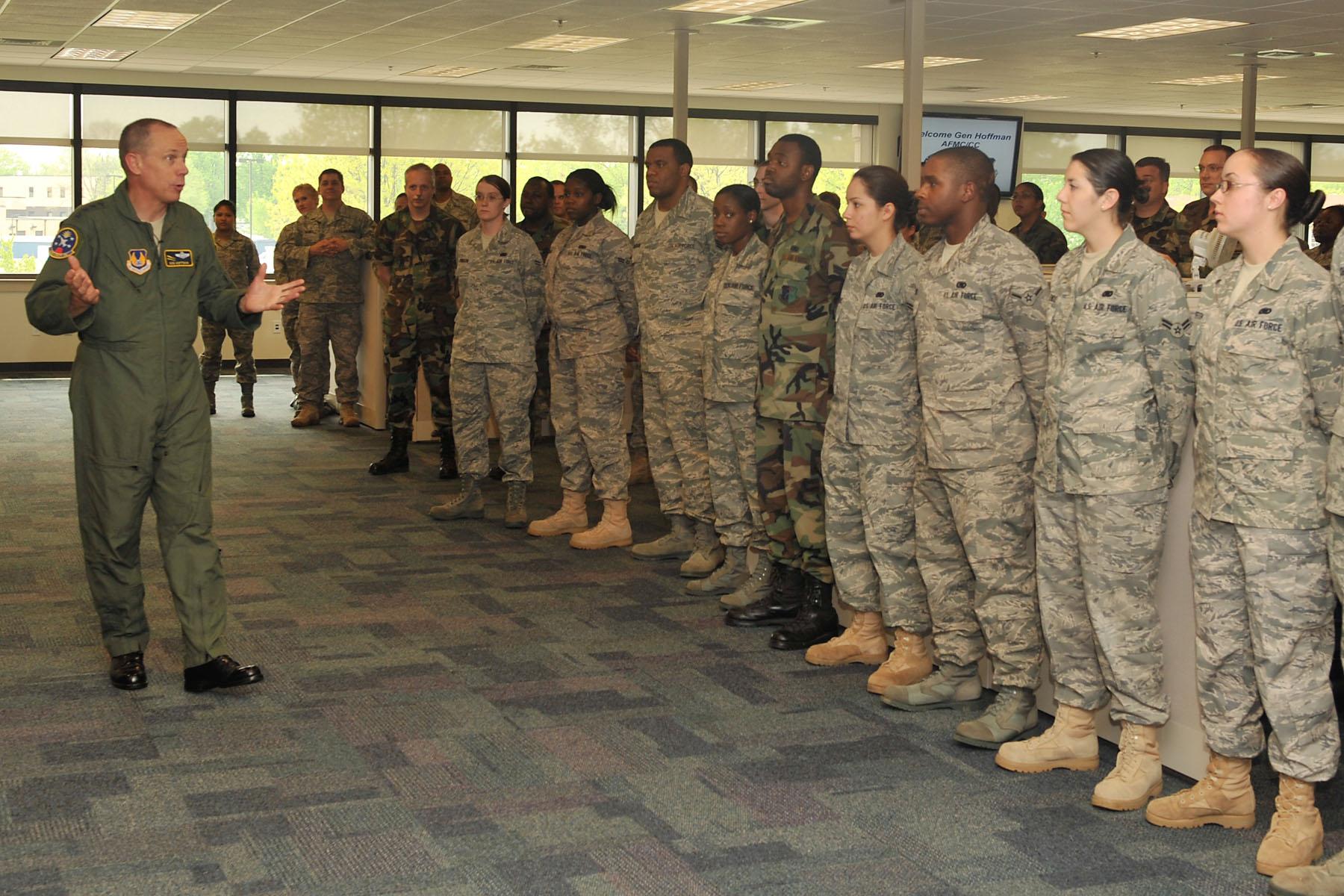 AFMC Commander Visits 635th SCMG