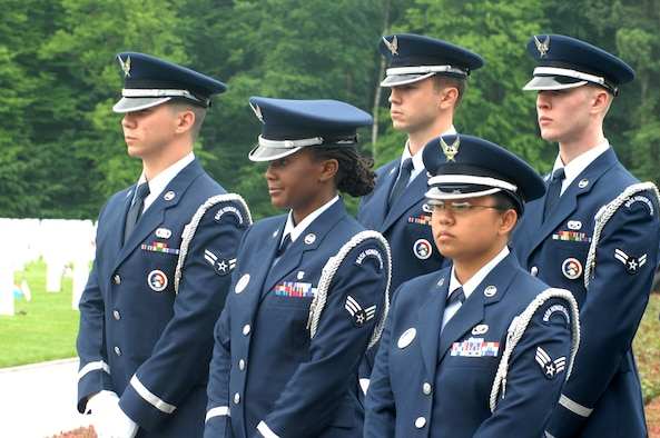 LUXEMBOURG CITY, Luxembourg – Airmen of the 52nd Fighter Wing Honor Guard stand in formation during a Memorial Day ceremony at the Luxembourg American Cemetery and Memorial May 24, 2008. The cemetery contains the remains of 5,076 American servicemembers from all 50 states and the District of Columbia. (U.S. Air Force photo by Staff Sgt. Logan Tuttle)