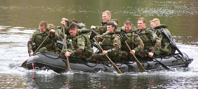 Cadets from the U.S. Air Force Academy in Colorado Springs, Colo., compete in Sandhurst 2009 at the U.S. Military Academy at West Point. The cadet Sandhurst team finished eighth of 48 teams. (U.S. Air Force photo)