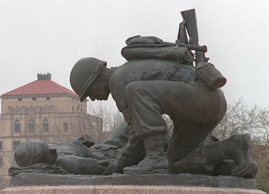 The Combat Medic Memorial at Fort Sam Houston, Texas. (U.S. Army photo)